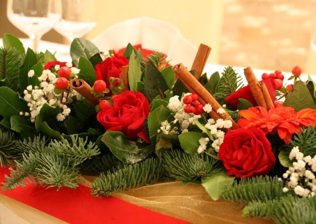 Χριστουγεννιάτικος Στολισμός με Τριανταφυλλα