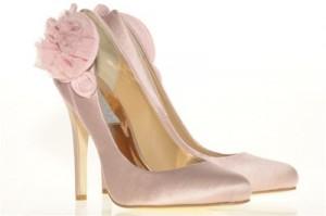 Ροζ νυφικά παπούτσια