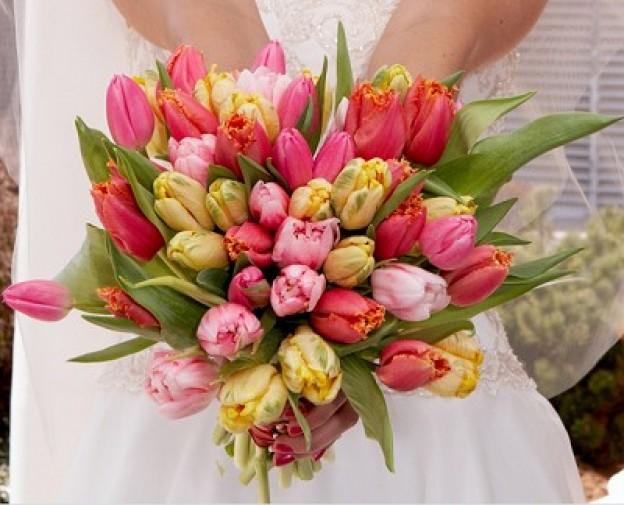 Ανθοδεσμη Γαμου με ποικιλία απο τουλιπες