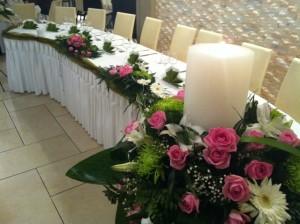 Στολισμός χώρου δεξιώσεων σε γαμήλια δεξίωση