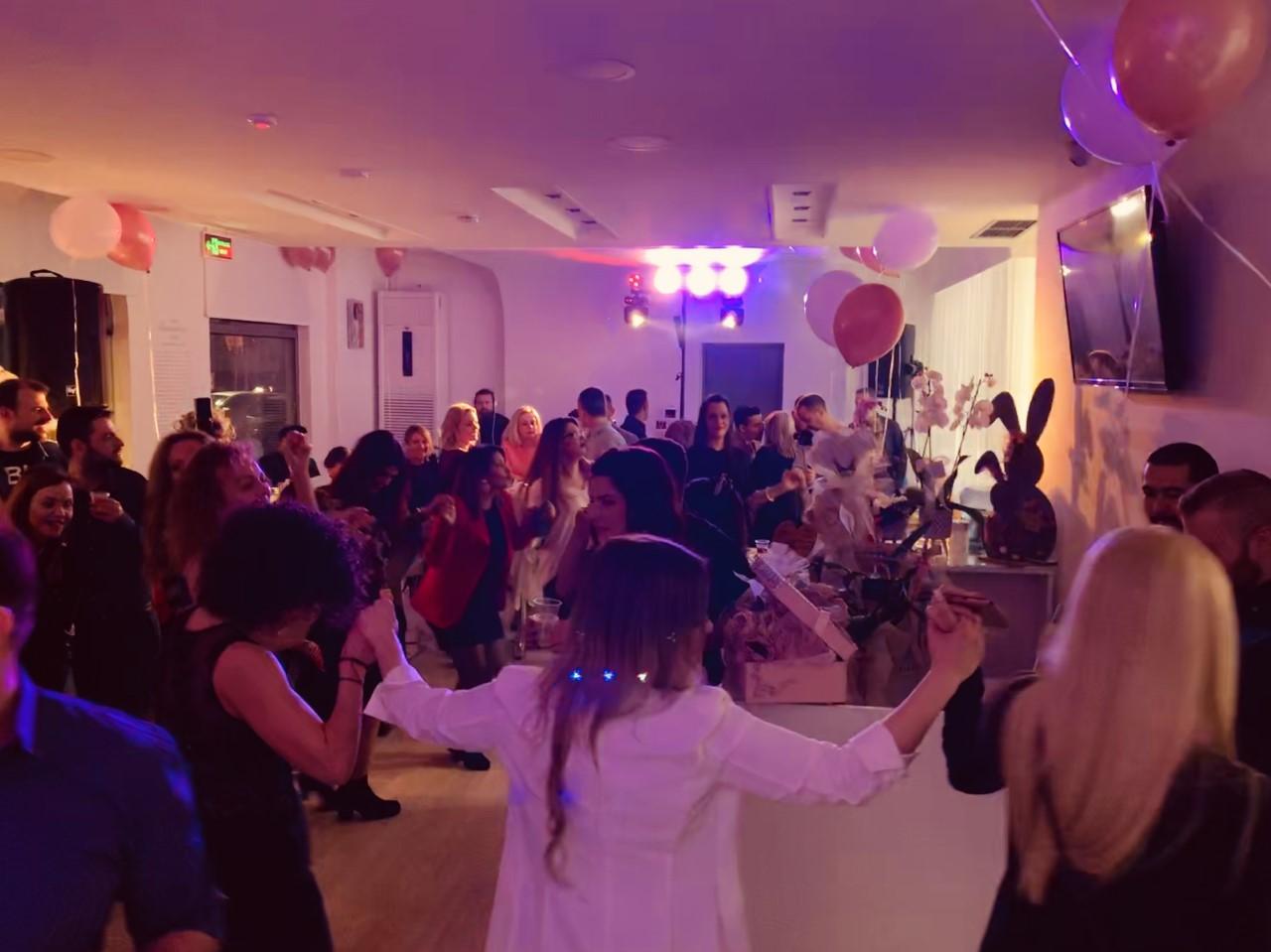 χορός στο πάρτυ γενεθλίων